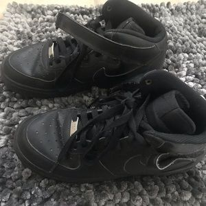 Black Nike Hightop Air Force 1.